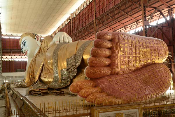 reclining buddha in burma