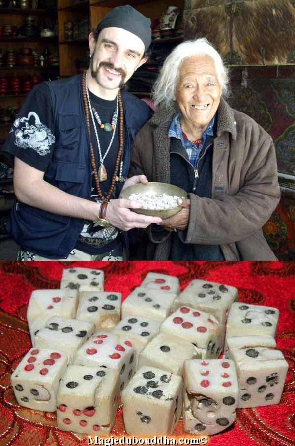 vieil artisan tibetain