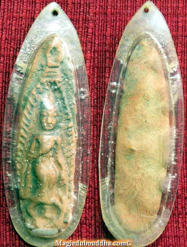 tablette votive amulette thai