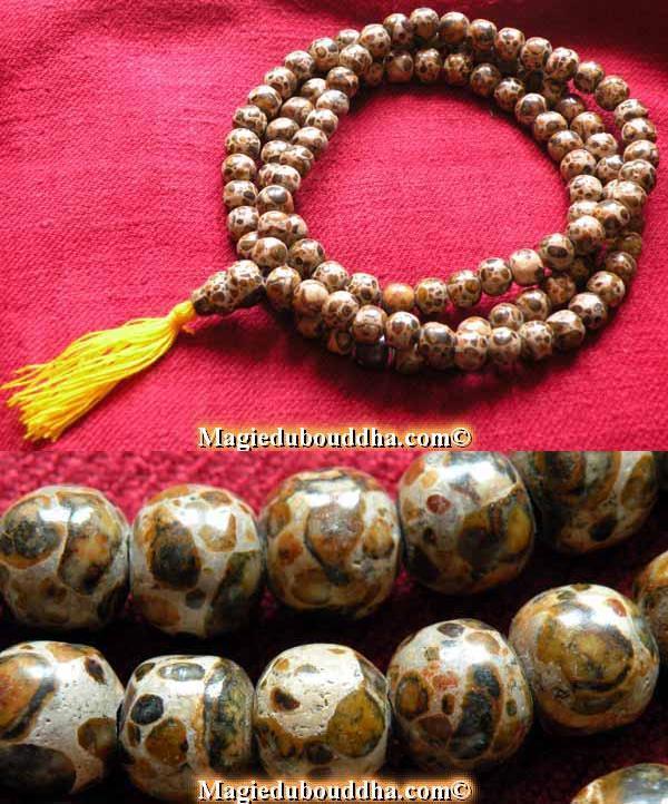 chapelet bouddhiste en pierre sacrée
