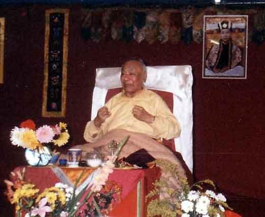 Le Très Vénérable Lama Guendune Rimpotché  Scanmaitre