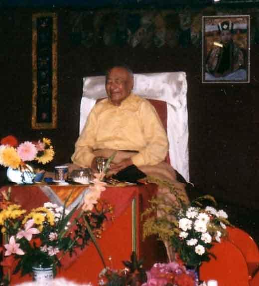 Le Très Vénérable Lama Guendune Rimpotché  Scanmaitres