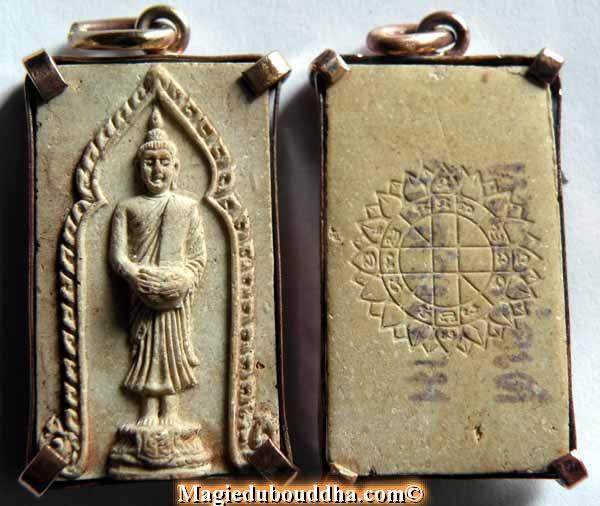 bouddha debout amulette thai
