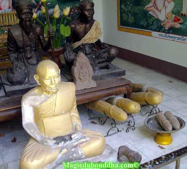 offrandes phalliques thailande